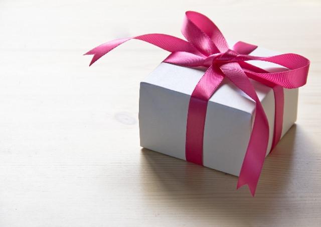 手土産やプレゼントの洋菓子は人々をハッピーにする
