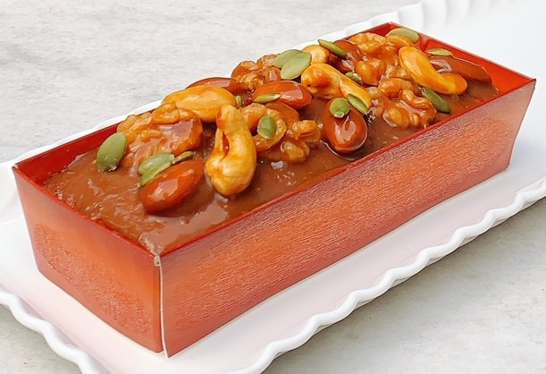 キャラメルナッツケーキ
